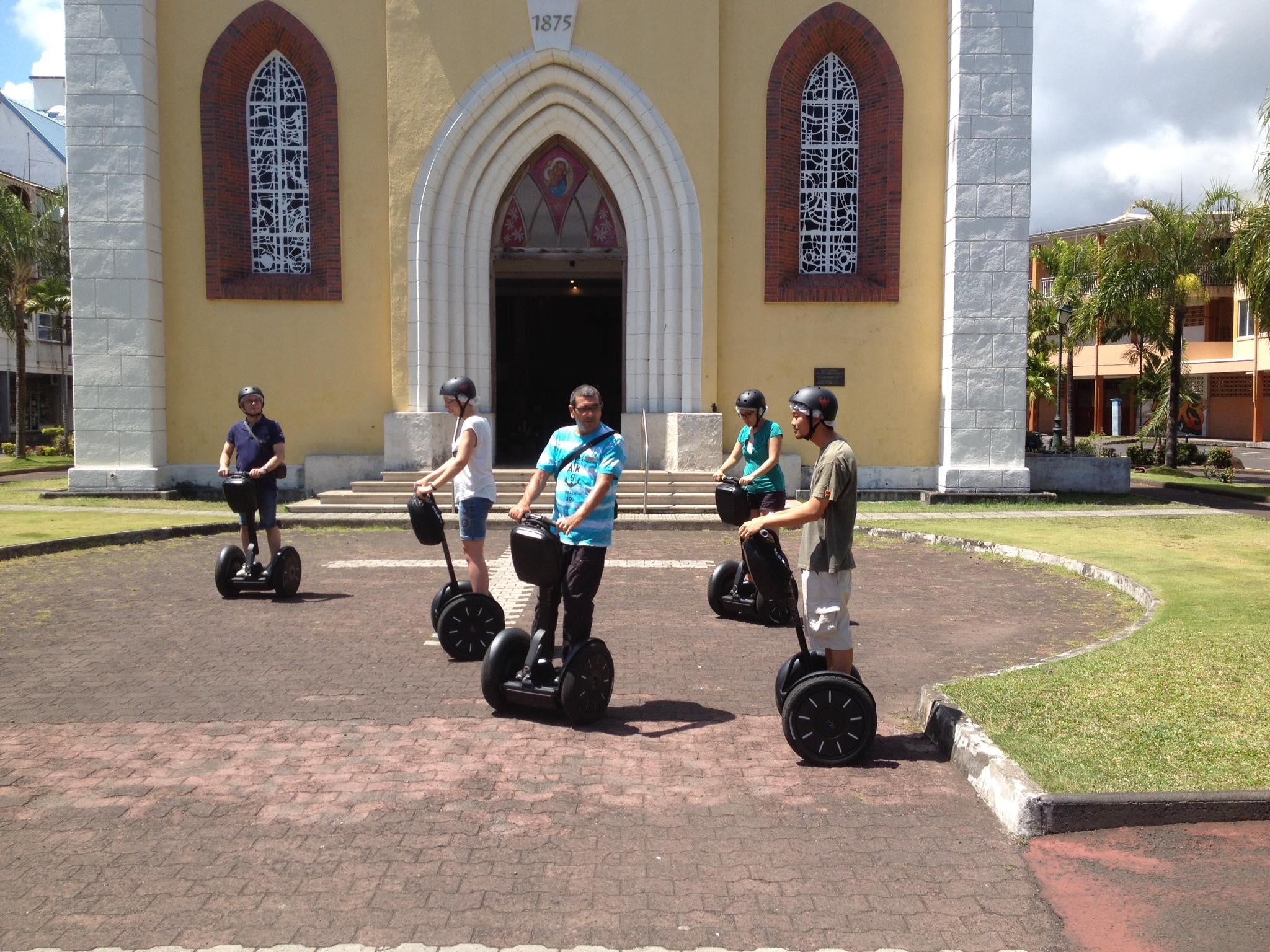 La cathédrale de Papeete en Segway à Tahiti