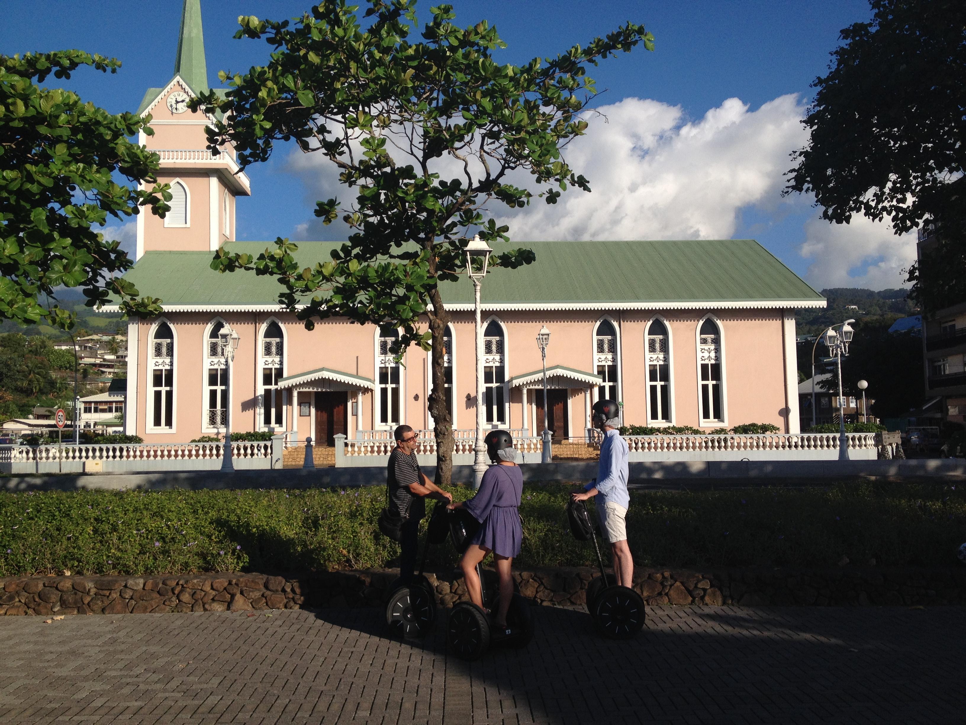 Temple Paofai à Papeete en Segway
