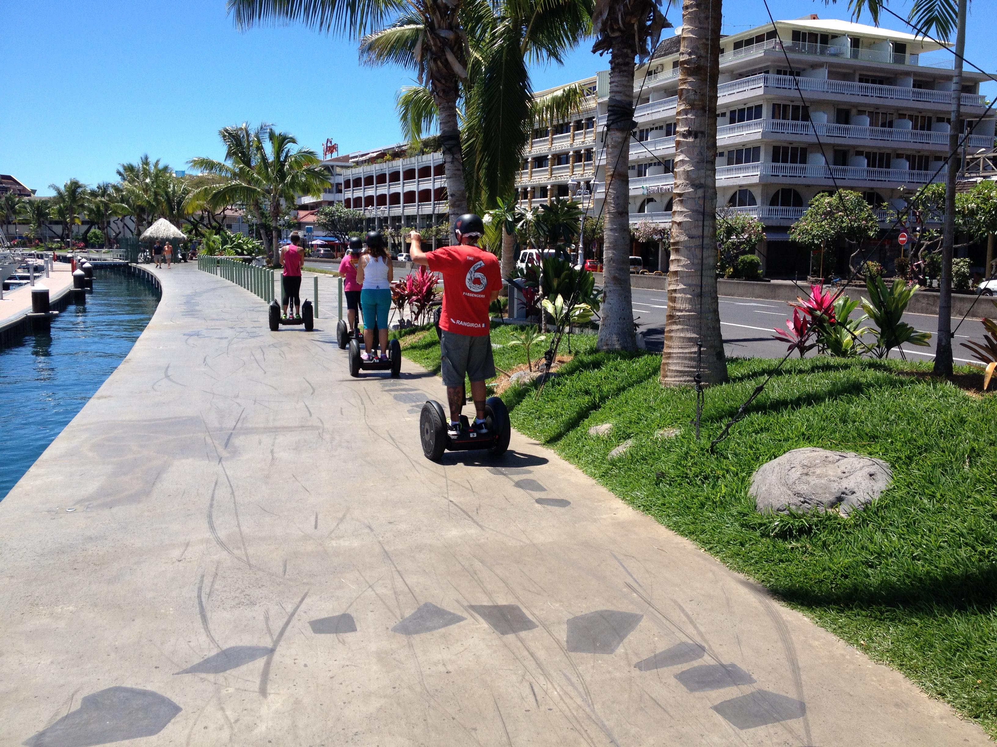 Front de mer en Segway à Papeete