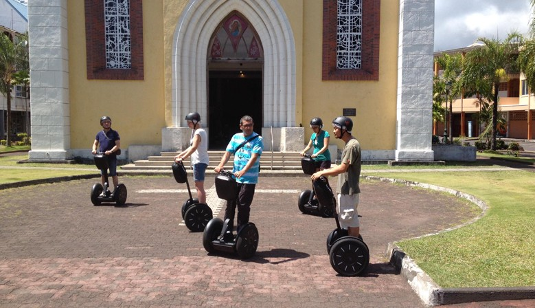 Discover Papeete by Segway